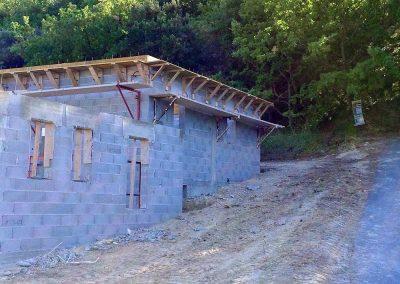 Construction villa - Coffrage d'une corniche en béton
