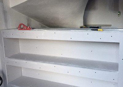 Création d'une niche en placoplâtre sous escalier balancé