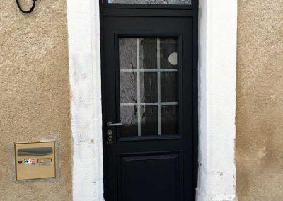 Changement de porte d'entrée dans bâtiment ancien