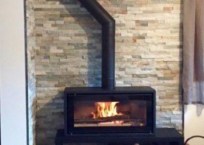 Aménagement coin cheminée - Mise en place et raccordement d'un foyer